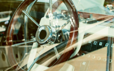 Comment fonctionne un pilote automatique pour voilier