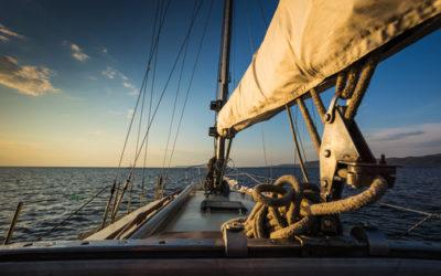 Apprendre la navigation en voilier en sept étapes