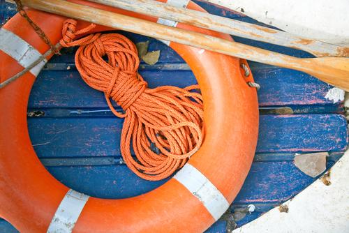 matériel de sécurité obligatoire sur un bateau